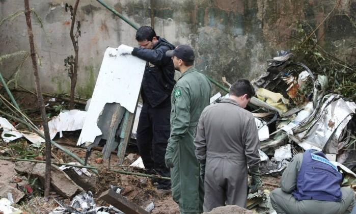 Investigação sobre avião de Eduardo Campos indicia 20 pessoas