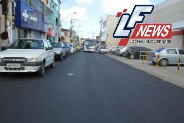Ações de recapeamento, passeios e drenagem no centro de Lauro de Freitas seguem a todo vapor