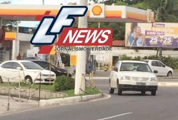 Veículos na Estrada do Coco continuam infringido a lei do Farol Baixo