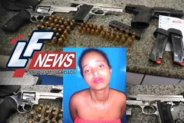 Mulher presa com pistolas 40 e 45 além de um revolver, munições e drogas