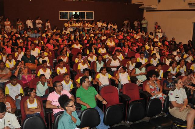 Polícia Militar realiza aula inaugural do Proerd em Lauro de Freitas sexta-feira