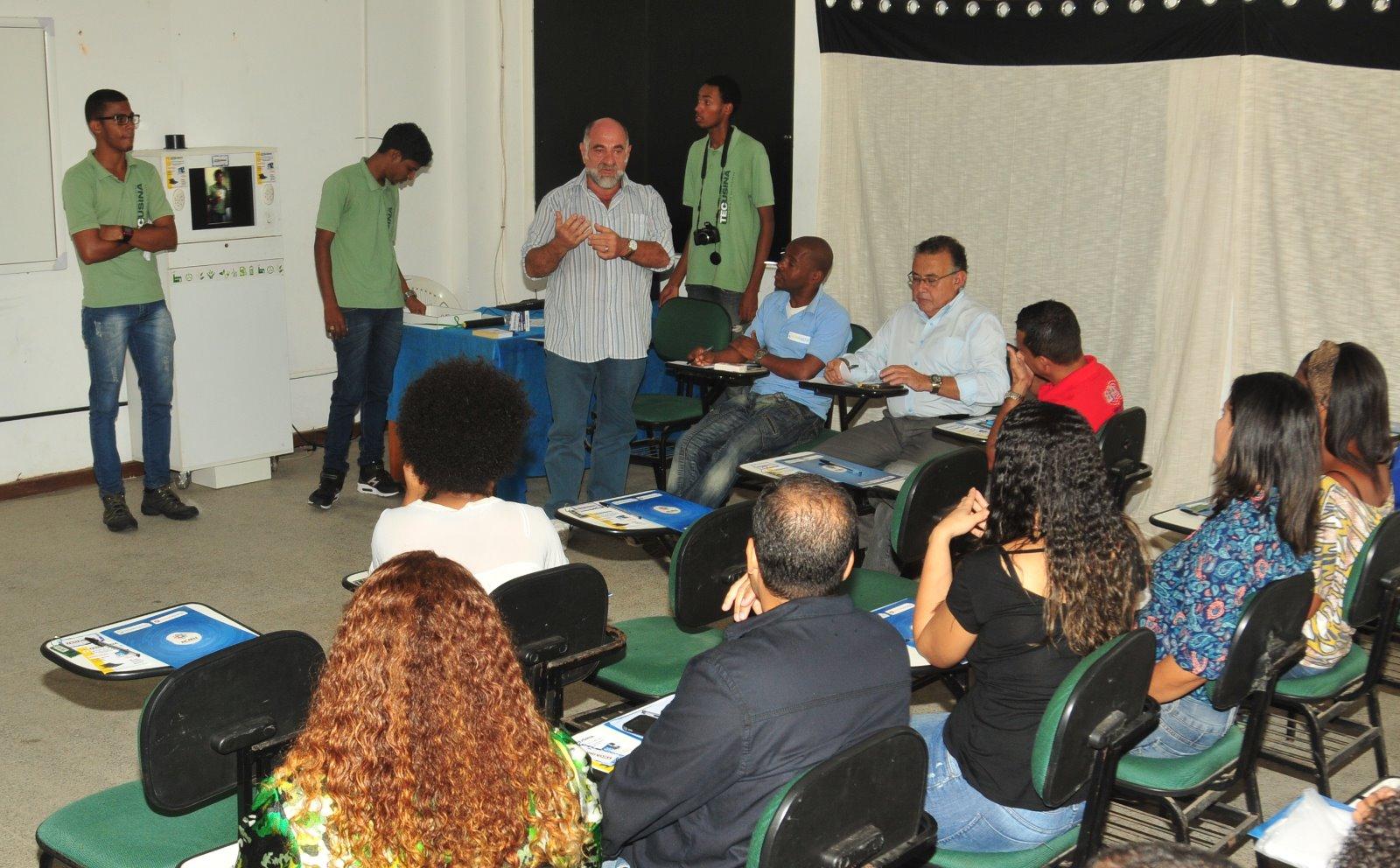 Empresa Júnior criada através de projeto social da Prefeitura é apresentada em Lauro de Freitas