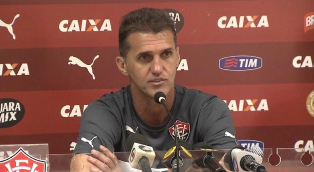 Mancini não é mais o treinador do Vitória