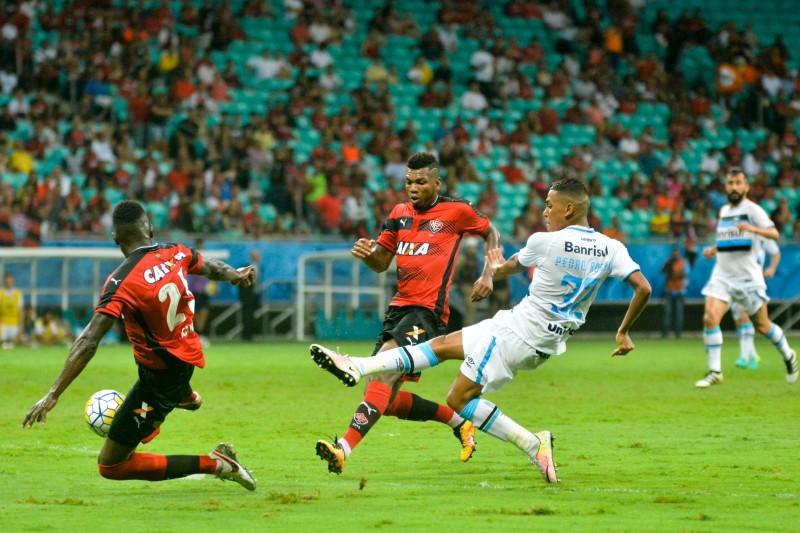 Vitória perde para o Grêmio e segue ameaçado de rebaixamento