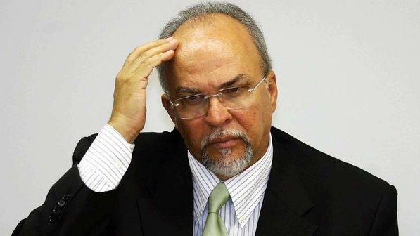 PF cumpre mandado na casa do ex-ministro Mario Negromonte