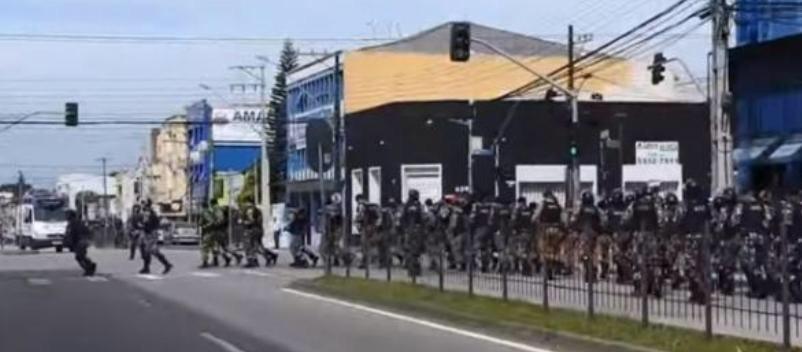 Curitiba se 'reforça' para confronto Lula x Moro dentro e fora do tribunal; Veja vídeos