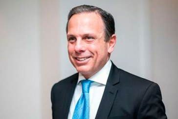 João Dória chega a Salvador para receber homenagem e falar com empresários