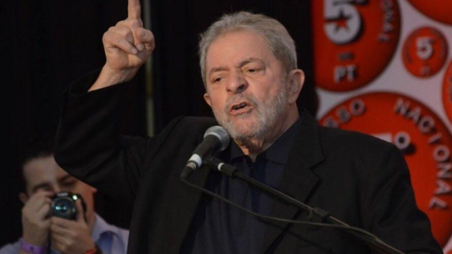 Lula afirma que Dilma errou e traiu os eleitores