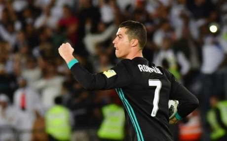 Real Madrid sofre, bate Al Jazira e pega Grêmio na final do Mundial