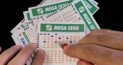 Mega-Sena acumula e pode pagar R$ 70 milhões neste sábado