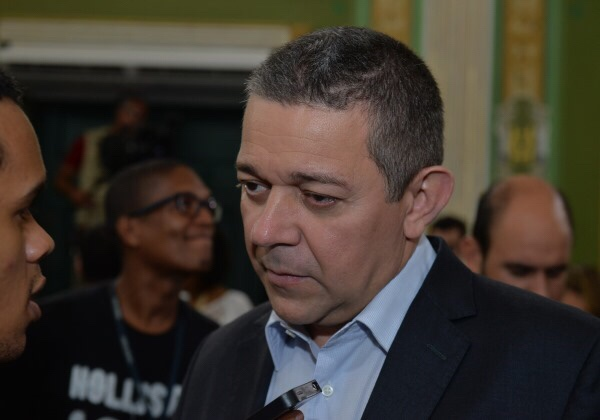 'Confirmadíssima' minha saída do PRB, diz Sidelvan Nóbrega