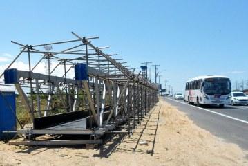 Estrada do Coco: Tráfego será bloqueado temporariamente, na próxima terça (03), para montagem de passarela