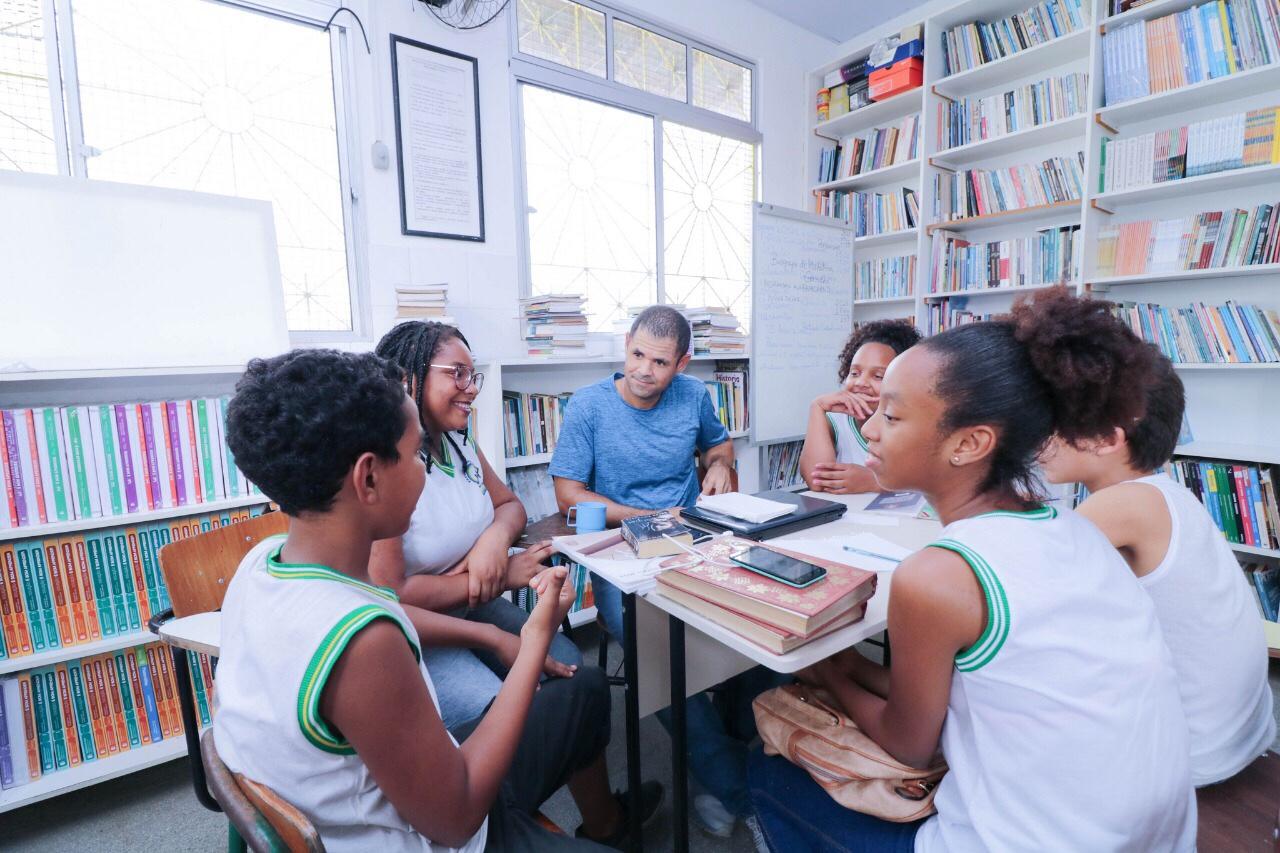 Oficinas do Educa 7 movimentam escolas da rede municipal em Lauro de Freitas