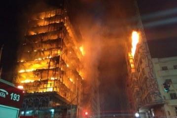 Prédio de 24 andares desaba após incêndio no Centro de São Paulo