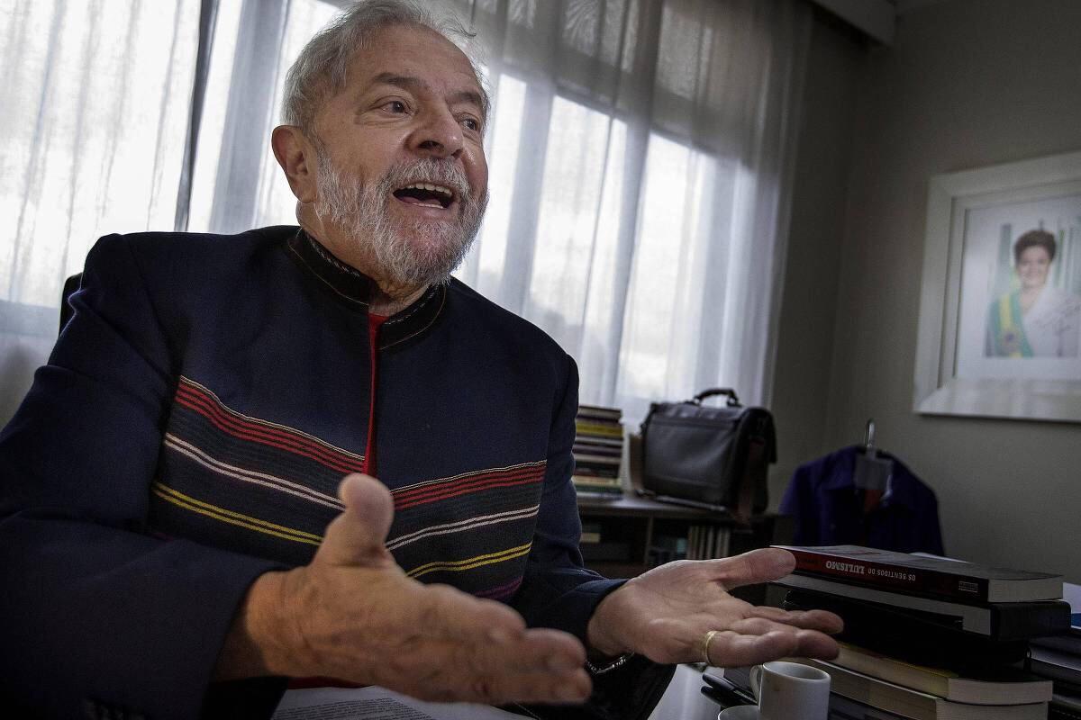 Desembargador do TRF-4 manda soltar Lula da prisão ainda neste domingo