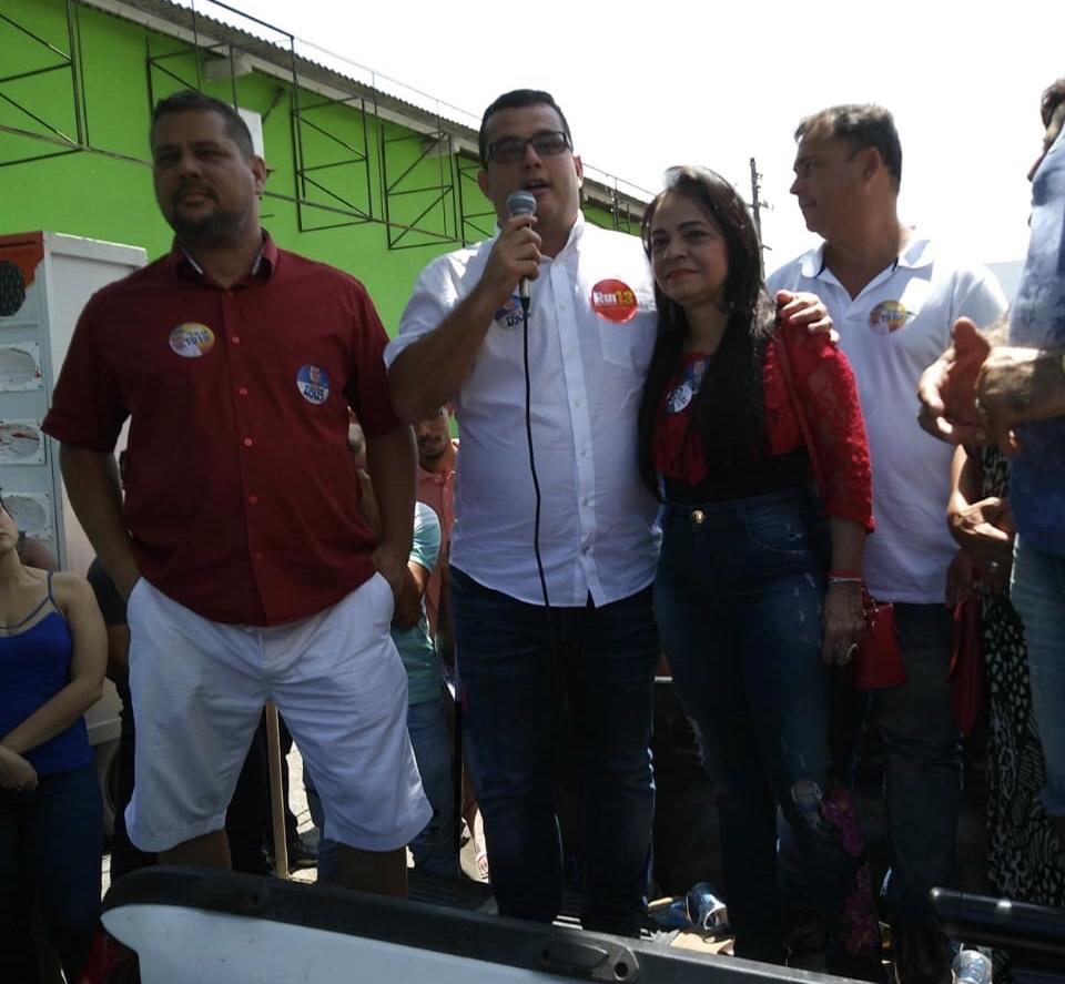 Com presença de Moema e Alex Lima, Capitão Olinto e seu grupo lotam estacionamento do Shopping Feira