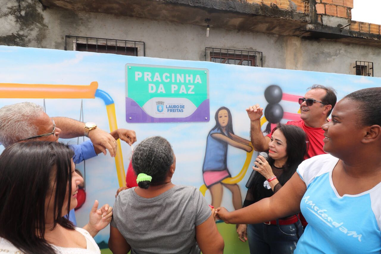 Prefeita entrega espaço de lazer, dá início a obra em rua da Itinga e anuncia requalificação de 16 praças