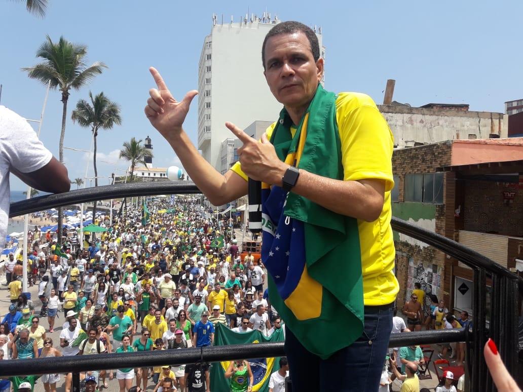 Cerca de 5 mil pessoas foram a Barra em ato de solidariedade a Bolsonaro