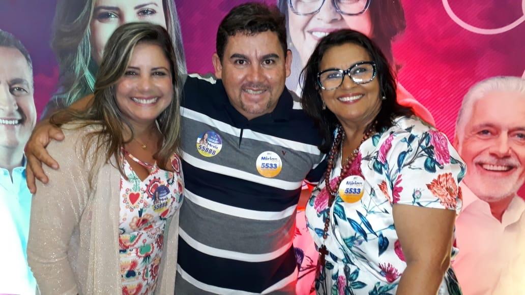 Alex Simões marca presença no lançamento da campanha de Mirela e Mirian em Lauro de Freitas