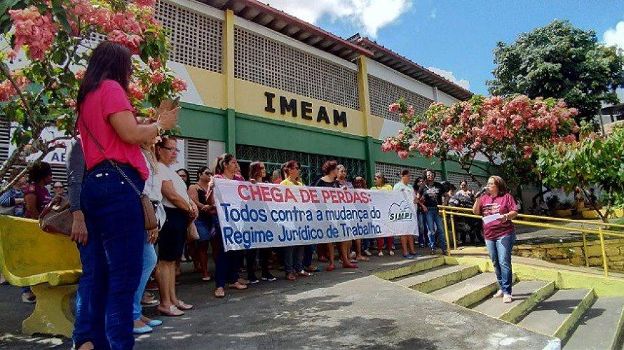 Professores de Itabuna entram em greve por tempo indeterminado