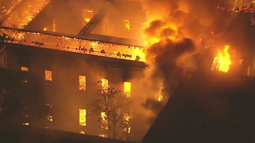 Museu Nacional: queda de balão pode ter sido a causa do incêndio