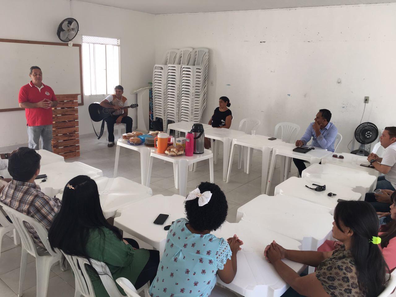Sérgio Gomes tem encontro com lideranças evangélicas em Tucano