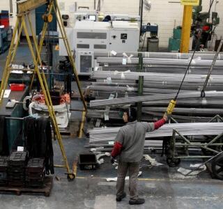 Recuperação perde fôlego e crise já atinge 36% dos setores industriais