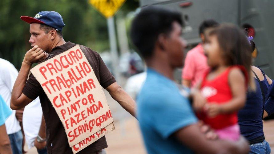 Venezuelanos desembarcam na Bahia com residência temporária e vagas de trabalho