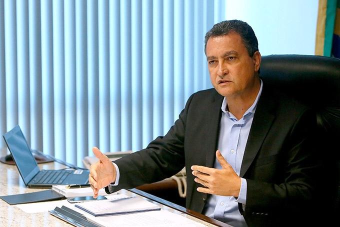 Governador condena violência no Rio Vermelho após militante ser agredida por PM