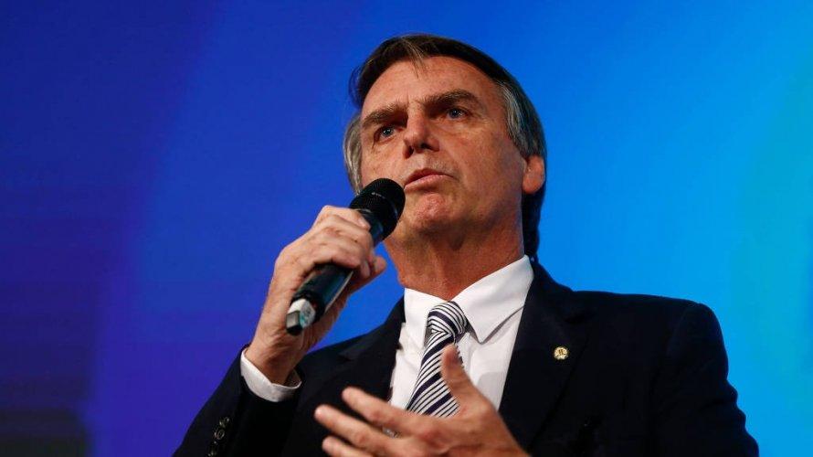 'Não sou o mais capacitado, mas Deus capacita os escolhidos', diz Bolsonaro em culto