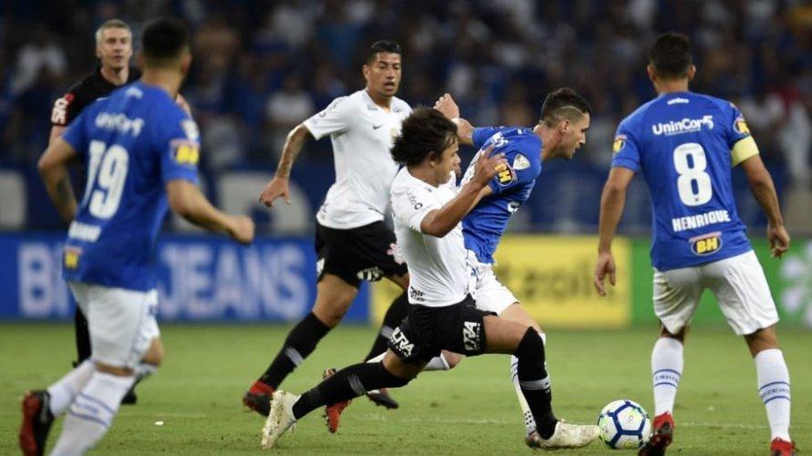 Corinthians e Cruzeiro decidem hoje título da Copa do Brasil em São Paulo