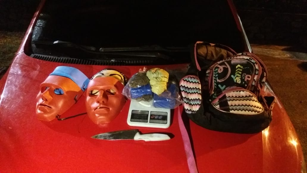 Polícia intercepta traficantes que usariam máscaras para cometer outros crimes