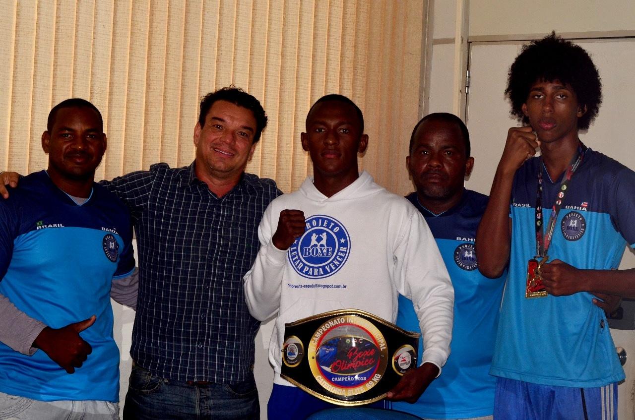 Atletas de Lauro de Freitas conquistam ouro em Intermunicipal de Boxe