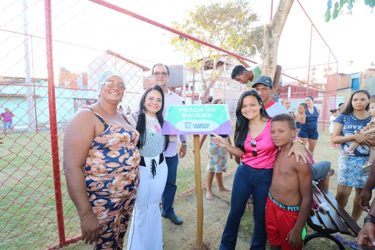 População comemora entrega de mais uma praça pela Prefeitura de Lauro de Freitas