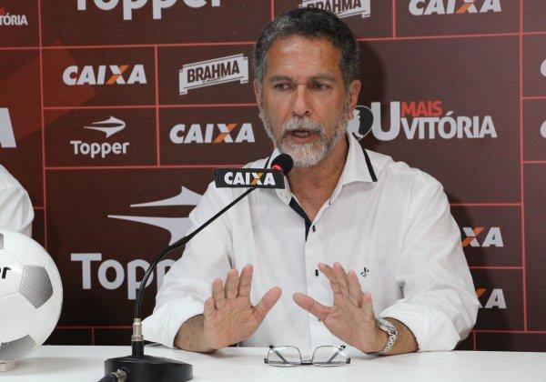 Presidente do Vitória afirma que Bahia é favorito no Ba-Vi de domingo
