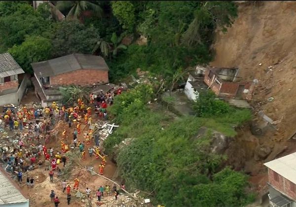 Sobe para 14 o número de mortos em tragédia em Niterói