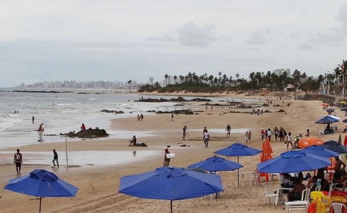 Feriadão: veja a lista de praias impróprias para banho