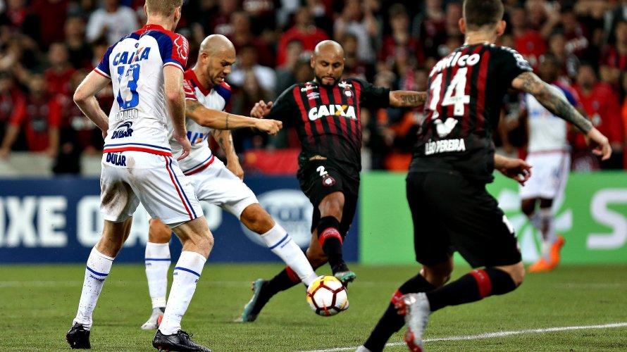 Bahia devolve 1 a 0 ao Atlético-PR, mas desperdiça cobranças de pênaltis e dá adeus à Sul-Americana