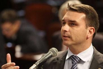 Ex-assessor de Flávio Bolsonaro não comparece a depoimento