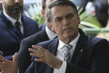 Bolsonaro acena a partidos negociação de 2º escalão do governo