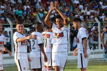 Vitória sai atrás, mas vira sobre o Jacobina com gols do zagueiro Edcarlos