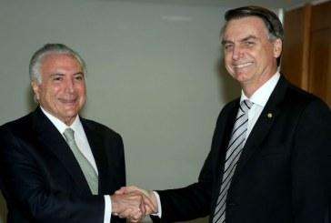 'Tá na cara que tem coisa errada', diz Bolsonaro sobre movimentações do governo Temer