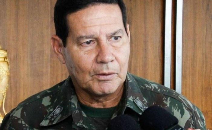 Tempo de serviço de militares deve aumentar, diz Mourão