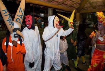 Tradição dos mascarados é ponto alto no Carnaval de Lauro de Freitas
