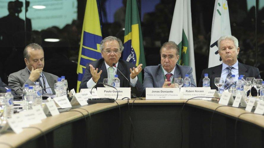 Reforma pode gerar economia de R$ 300 bi em 20 anos para prefeituras, diz FNP