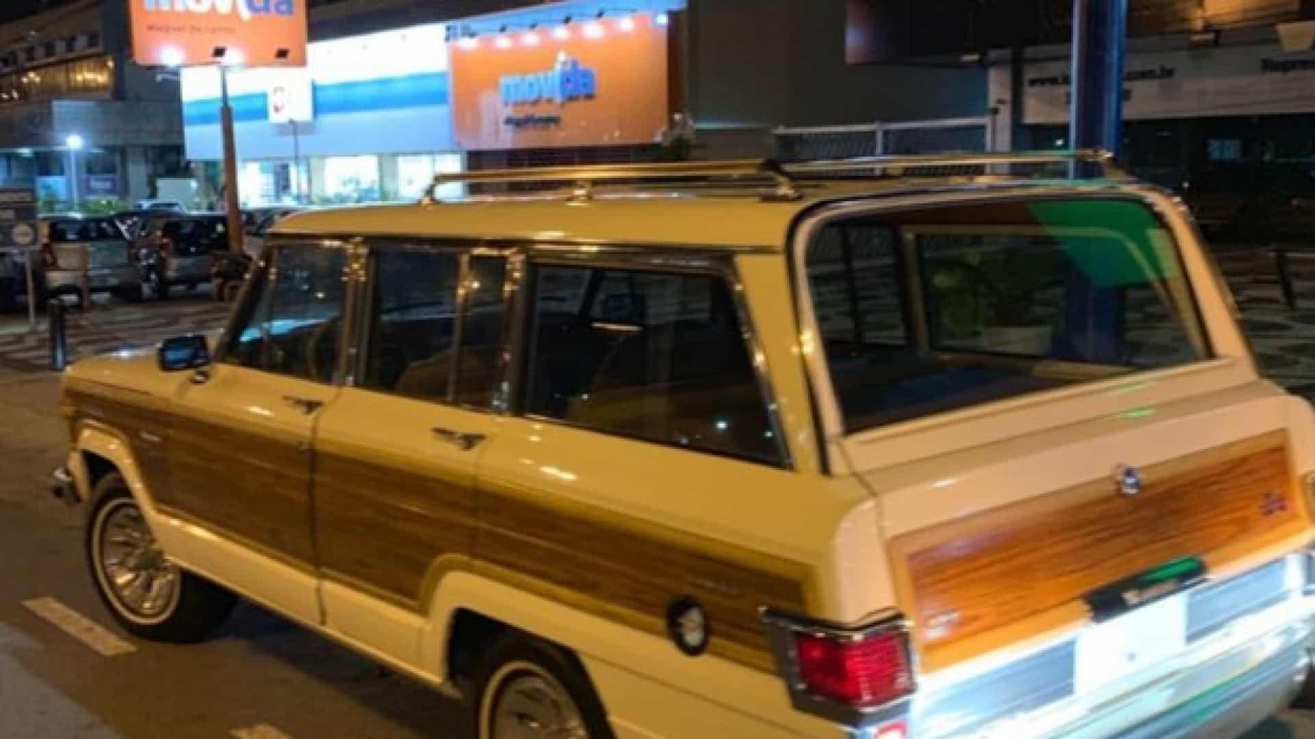 Carro antigo deixa Luciano Huck na mão em avenida movimentada no Rio