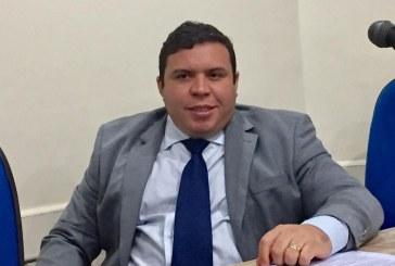 Vereador Isaac de Belchior apresenta Projeto de Lei para proibir o fornecimento de canudos plásticos em Lauro de Freitas