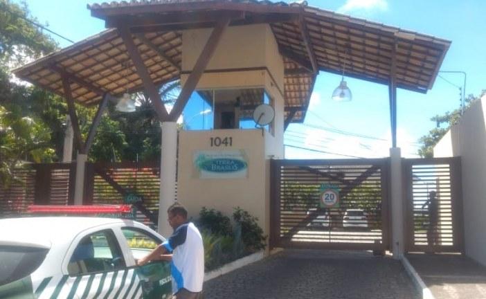 Equipe de fiscalização da Semarh identifica vazamento de efluentes e notifica condomínio