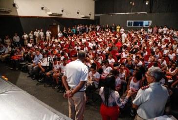 Estudantes de Lauro de Freitas refletem sobre combate às drogas em aula inauguram do Proerd