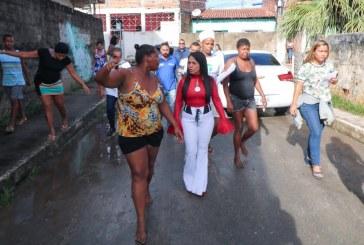 Moema visita áreas atingidas pela chuva em Lauro de Freitas